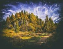 jesień Crimea karadag krajobrazu halna krajowa rezerwa Rocznika skutek obrazy stock