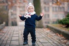 jesień dziecka plenerowy park zdjęcia royalty free