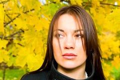 jesień dziewczyny park dosyć zdjęcia stock