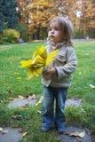 jesień dziewczyny trochę park Zdjęcie Royalty Free