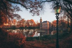Jesień kasztel zdjęcia stock