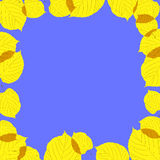 Jesień liść rama na błękitny tle Obrazy Stock