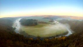 Jesień mglisty ranek, timelapse zdjęcie wideo
