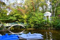 Jesień parkowy staw Fotografia Royalty Free