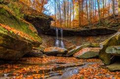 Jesień przy Błękitnymi Kurnymi spadkami zdjęcia royalty free