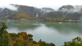 Jesień przy Danube wąwozami 4k materiał filmowy zbiory wideo