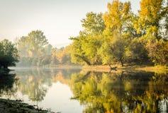 Jesień przy jeziorem obrazy stock