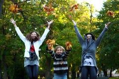 jesień rodziny park zdjęcie stock