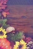 Jesień spadku Nieociosany Drewniany tło Zdjęcie Royalty Free