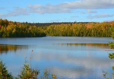 Jesień Vista Na Dziewięć Mila jeziorze - Minnestoa Fotografia Royalty Free