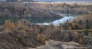 Jesień w Zaniechanym piaska łupie Obrazy Stock