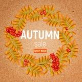 Jesień wianek z rowan, liśćmi i ashberry na wykonuje ręcznie papierze, Piękny kartka z pozdrowieniami z wiankiem realistyczny 3d ilustracji