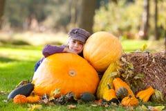 jesień dziewczyny plenerowa bania Zdjęcia Stock