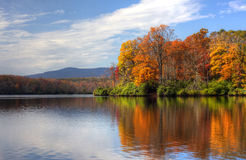 Jesień jezioro Fotografia Royalty Free