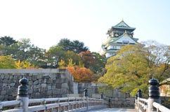 Jesień koloru zmiana Japonia przy Osaka kasztelem Obraz Stock