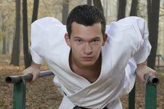 jesień lasowy karate szkolenie Zdjęcia Stock