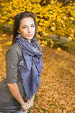 jesień piękny brunetki park Fotografia Stock