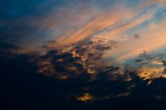 Jesień zmierzchu niebo Kolorowy wieczór niebo, Fotografia Royalty Free