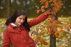 jesienią kobieta obraz royalty free