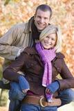 jesienią parę walk Zdjęcie Royalty Free
