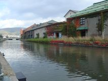 Jesieni colours wzdłuż rzeki fotografia royalty free