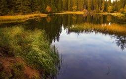 Jesieni Góra jezioro Obrazy Stock
