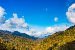 Jesieni góry dolina zdjęcie stock