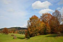 Jesieni góry krajobraz zdjęcia stock