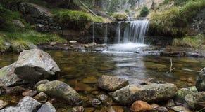 Jesieni kaskadowa rzeka Fotografia Stock