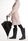 Jesieni kobiet strój Mody dziewczyna w gumowych butach obrazy stock
