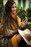 Jesieni mody kobieta plenerowa Zdjęcie Royalty Free