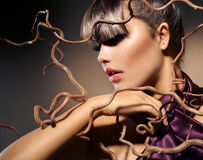 Jesieni mody modela dziewczyna zdjęcia stock