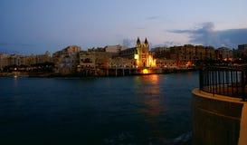 Jesieni noc na śródziemnomorskim wybrzeżu w Malta wyspie Obrazy Royalty Free