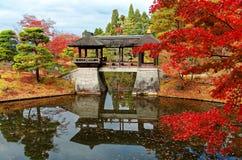 Jesieni sceneria piękny W Cesarskiej willi Shugakuin Rikyu, królewski park w Kyoto, Japonia Zdjęcia Stock