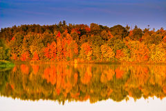 jesienią sceny wody Zdjęcia Royalty Free