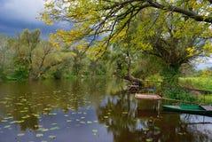 Jesieni stojącej wody odbicie Zdjęcie Stock
