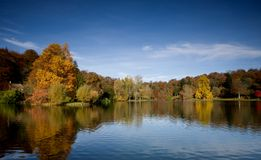 jesienią stourhead Fotografia Royalty Free