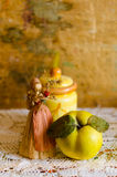 Jesieni wciąż życie z pigwą Fotografia Royalty Free