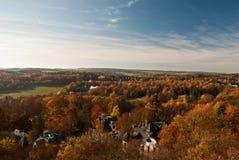 Jesieni wsi panorama od punktu obserwacyjnego na Barenstein wzgórzu w Plauen Zdjęcia Stock