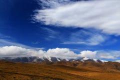 Jesienna sceneria Qinghai, Tybet plateau - Zdjęcia Royalty Free