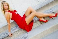 Jess in Rode kleding stock afbeeldingen