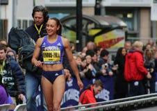 Jessica Ennis-Hill que sorri após seu retorno ao atletismo Imagens de Stock