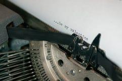 JEST MÓJ walentynek typ NA STARYM ANTYKWARSKIM maszyna do pisania Fotografia Stock