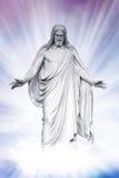 Jesus återuppväckte i himla- moln royaltyfri fotografi