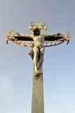 Jesus auf dem Kreuz lizenzfreie stockfotografie