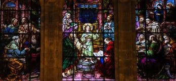 Jesus bij de Tempel - Gebrandschilderd glas stock afbeeldingen