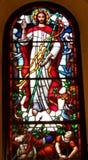 Jesus-Bild auf Buntglas in der Kirche Stockfotos