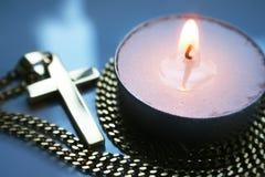 Jesus Christ Golden Cross With testearinljus Royaltyfri Foto