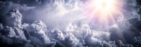 Jesus Christ nelle nuvole fotografia stock libera da diritti