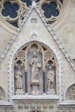 Jesus Christ omgav vid helgon Stephen konungen och Sten Ladislaus Royaltyfria Bilder